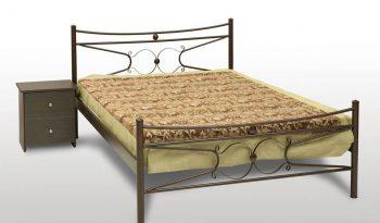 μεταλλικό κρεβάτι πέταλο